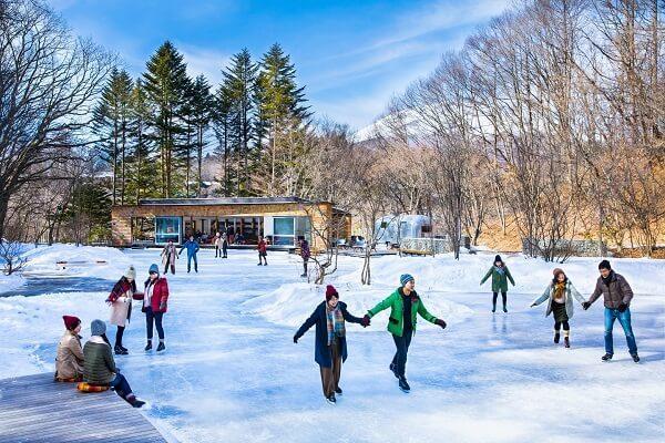 天然氷のスケートリンク